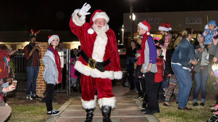 Sanford Nc Events Christmas Day 2021 Celebrate The Holidays In Sanford Nc Visit Sanford Nc