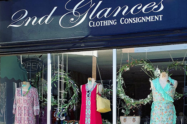 Shows the exterior of 2nd Glances clothing consignment